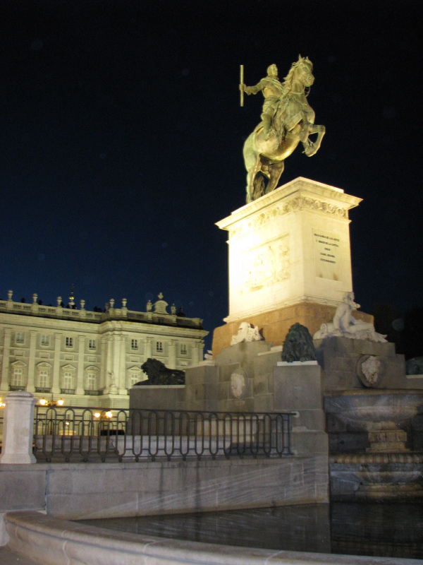 Statue of king Felipe IV