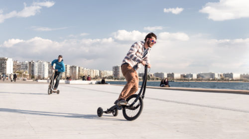 Halfbike, a new urban vehicle eco-friendly and fun to ride
