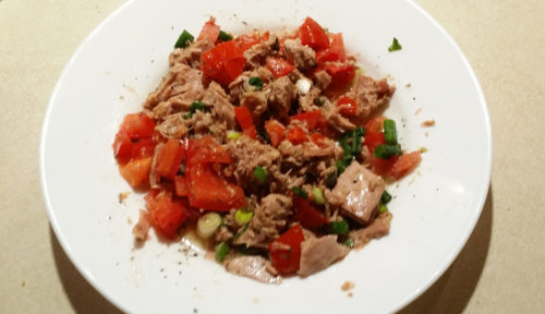Tuna & tomato salad, our fastest & cheapest salad recipe